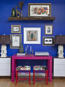 Blue hues for walls in home decor
